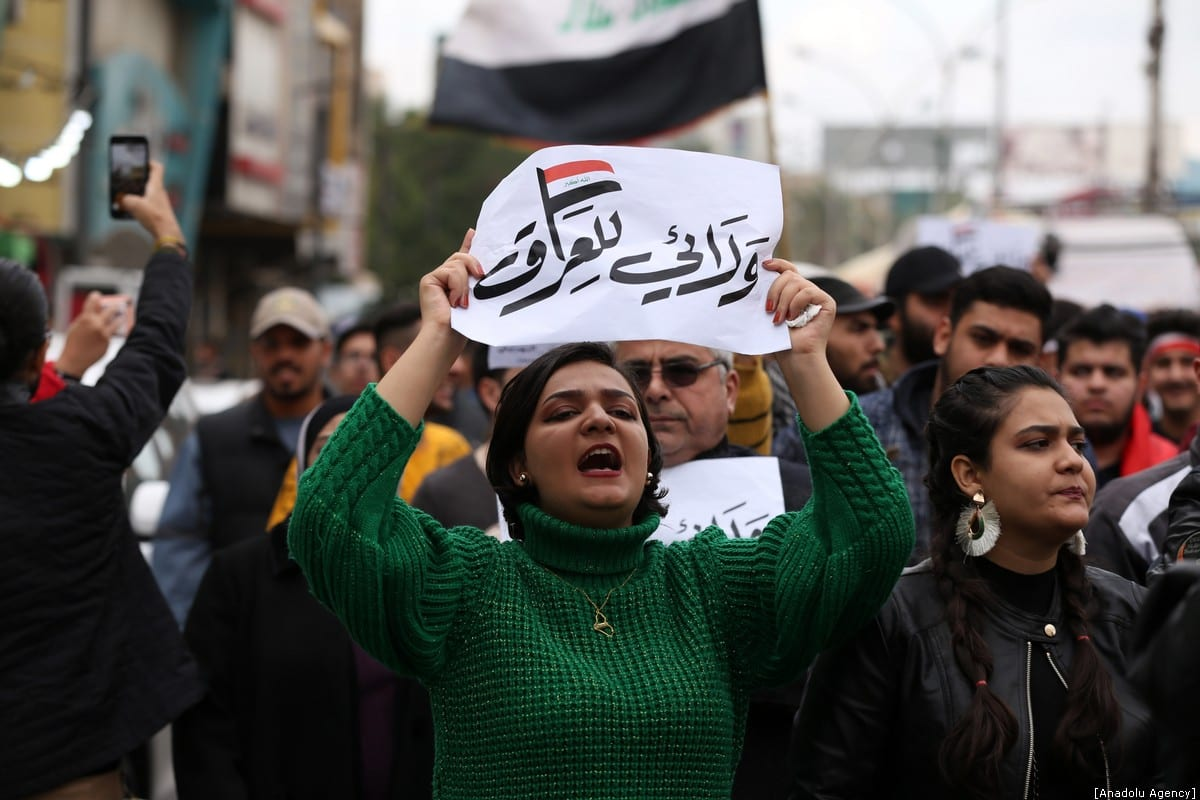 Iraqis continue to take part in anti-government protests in Baghdad, Iraq on 10 January 2020 [Murtadha Sudani/Anadolu Agency]