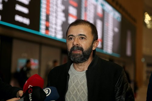 Hilmi Balci, one of Anadolu Agency's four employees detained in Egypt earlier this week, speaks to media after he has arrived back in Istanbul, Turkey on 17 January 2020. [Ahmet Bolat - Anadolu Agency]