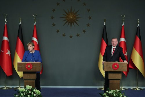 President of Turkey, Recep Tayyip Erdogan (R) and German Chancellor Angela Merkel (L) in Istanbul, Turkey on 24 January 2020 [Mustafa Kamacı/Anadolu Agency]