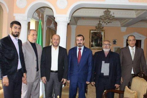 Hamas delegation meets new Algeria envoy in Lebanon on 3 January 2020