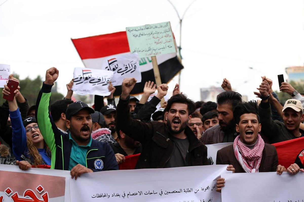 Iraqis take part in anti-government protests in Baghdad, Iraq on 10 January 2020 [Murtadha Sudani/Anadolu Agency]