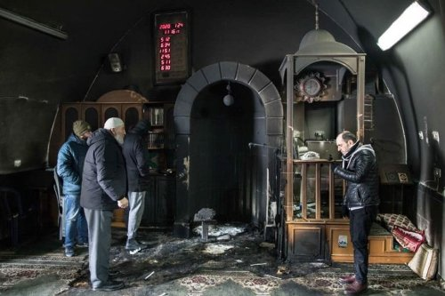 Jewish settlers burn down Palestinian churches and mosques