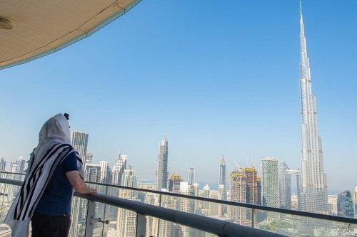 Israeli photographer Michael Miki Spitzer in the United Arab Emirates [Facebook]