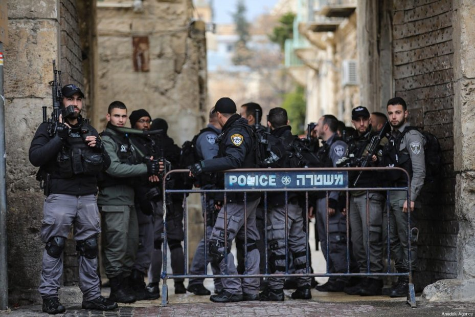 Israeli forces block entrances around the Old City, after a Palestinian was killed by Israeli police for allegedly attempting to stab an Israeli policemen at the Old City in Jerusalem on February 22, 2020 [Mostafa Alkharouf / Anadolu Agency]