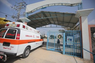Gaza decides to close border to protect against coronavirus in Gaza on 16 March 2020 [Mohammed Asad/Middle East Monitor]