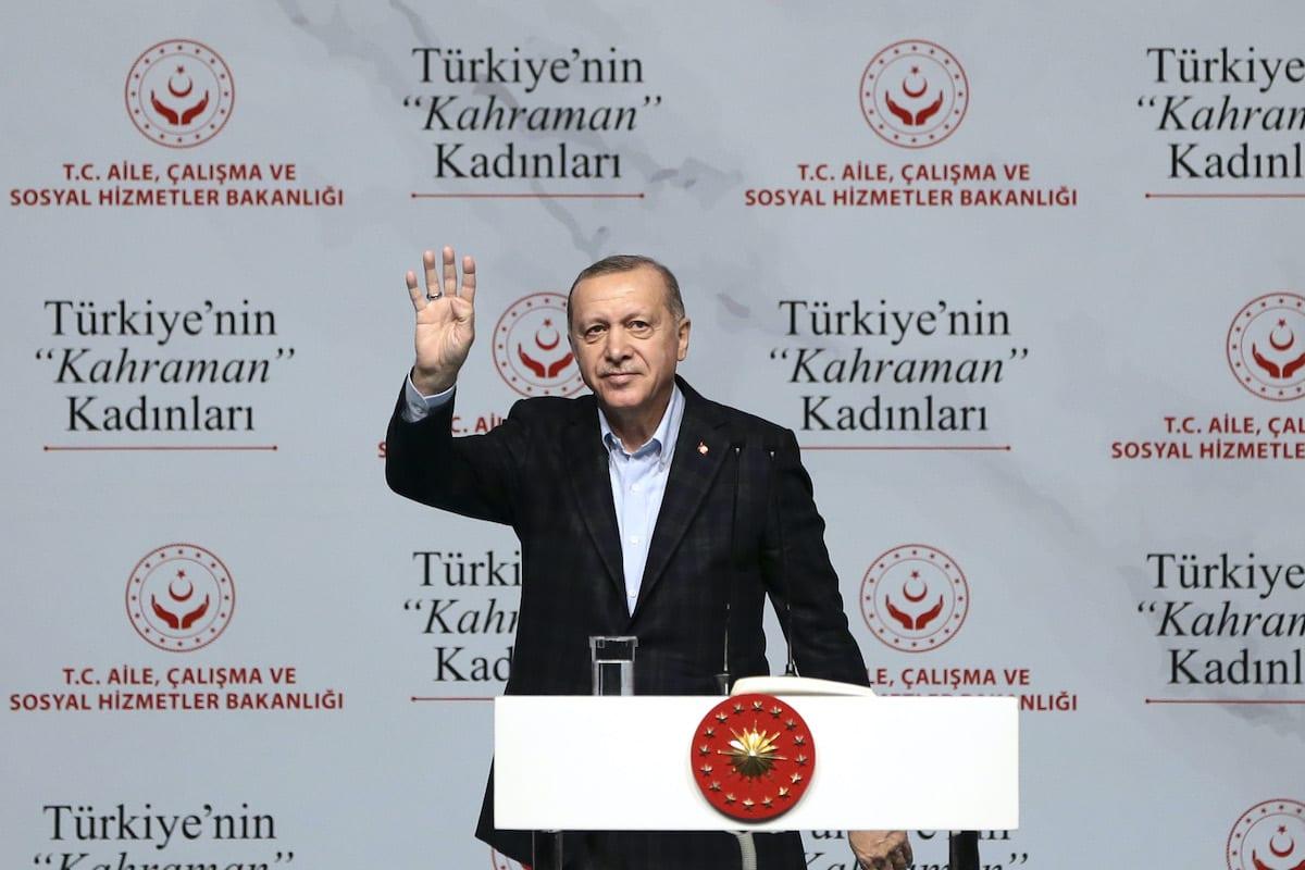 Turkish President Recep Tayyip Erdogan greets during a celebration of heroic women of Turkey as part of International Women's Day, at Halic Congress Center in Istanbul, Turkey on 8 March 2020. [Serhat Çağdaş - Anadolu Agency]
