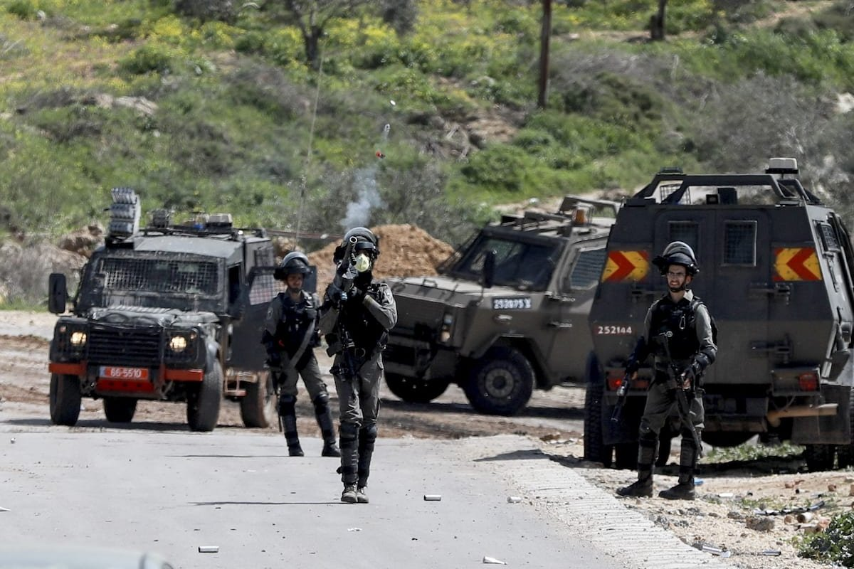 Israeli forces intervene in Palestinians during a protest against Jewish settlements at Al-Urme Hill in Nablus, West Bank on 11 March 2020. [İssam Rimawi - Anadolu Agency]