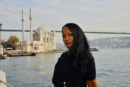 American Singer Della Miles in Turkey on 2 December 2019 [Della Miles/Twitter]