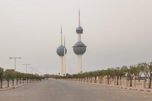 A photo shows empty surroundings of a touristic landmark of Kuwait City amid the coronavirus (COVID-19) pandemic in Kuwait on 1 April 2020. [Jaber Abdulkhaleg - Anadolu Agency]