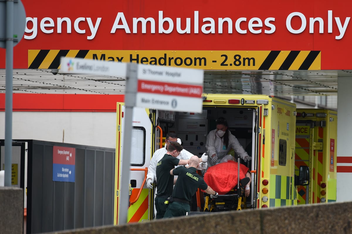 A patient arrives at St Thomas's Hospital with persistent symptoms of COVID-19 on 6 April 2020 in London, UK [Kate Green/Anadolu Agency]