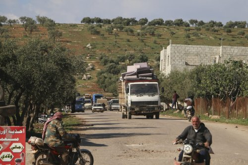 People return home after the cease-fire agreement for Syria's Idlib, along Turkey's southern border, reached by Turkey and Russia on April 11, 2020. [Muhammed Abdullah - Anadolu Agency]