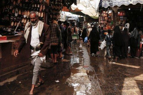 Market stalls in Sanaa, Yemen, on 21 April 2020 [Mohammed Hamoud/Anadolu Agency]