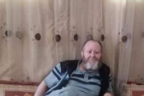 Sari Salem Wardat, 46, was shot from behind in an apparent accident as he was walking towards family members and neighbours who had gathered to welcome him home [Watan News]