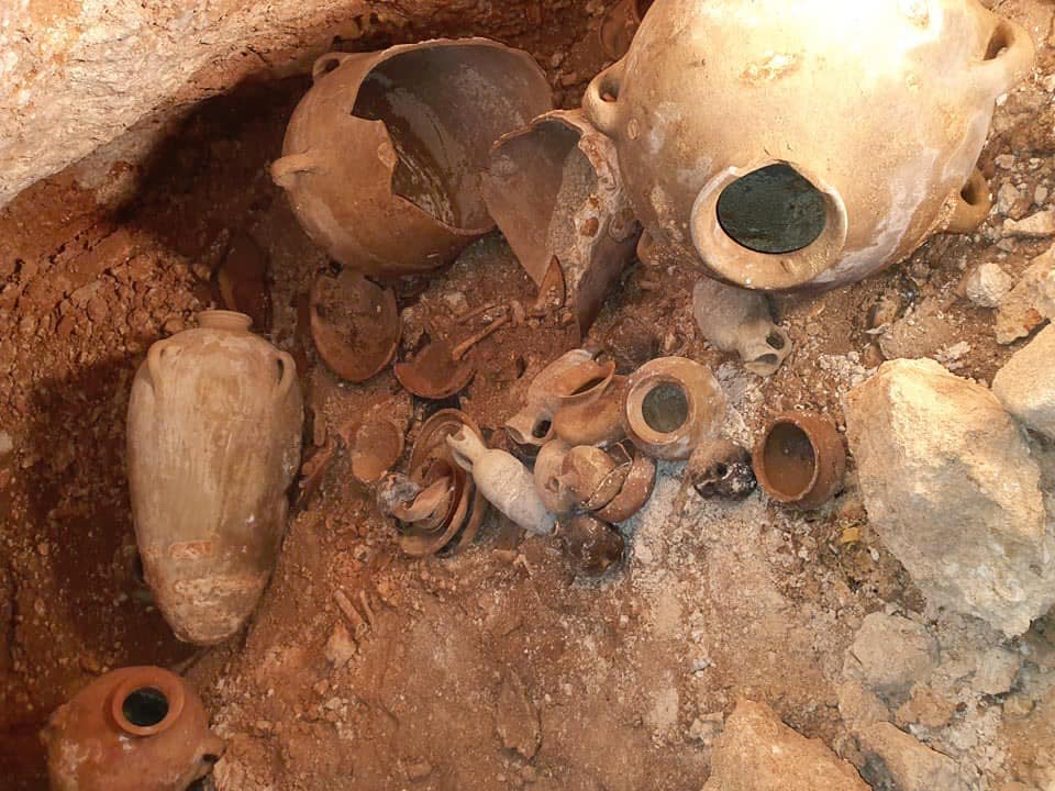 The Palestinian Ministry of Tourism and Antiquities announced the discovery of a Bronze Age cemetery in Hindaza area, east of the southern West Bank city of Bethlehem on 6 April 2020 [Wafa News]