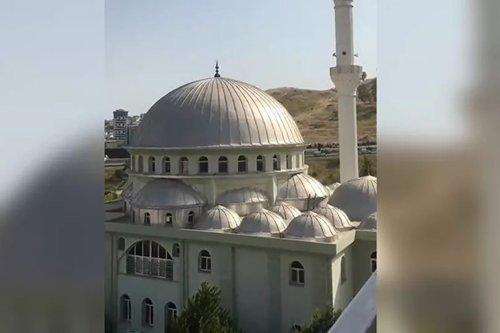 "The Italian protest song ""Ciao Bella"" replaced the call to prayer from several mosques in Turkey's İzmir [Screenshot]"