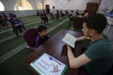 Gaza restarts classes to teach the Quran, on 5 July 2020 [Mohammed Asad/Middle East Monitor]
