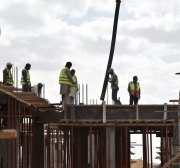 Saudi industry fires foreign workers and hires Saudi citizens