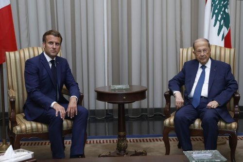 French President Emmanuel Macron meets Lebanese President Michel Aoun in Beirut, Lebanon on August 06, 2020 [Lebanese Presidency/Anadolu Agency]