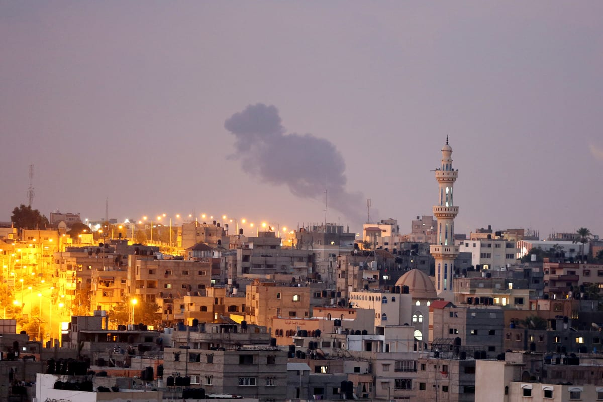 Smoke rises after Israeli warplanes hit areas targeting positions of Izz ad-Din al-Qassam Brigades, the military wing of Palestinian resistance group Hamas on 21 August 2020 in Khan Yunis, Gaza. [Ashraf Amra - Anadolu Agency]
