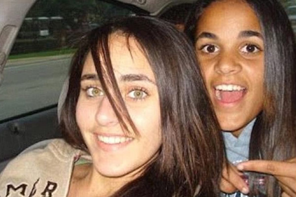 17-year-old Sarah and 18-year-old daughter Amina were shot dead by their father Yaser Abdel in 2008 [Fatmahaeba/Twitter]