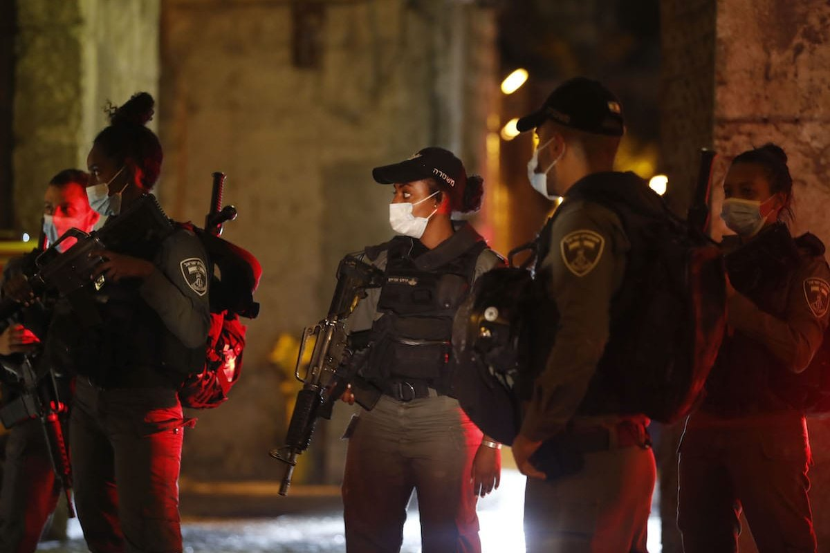 Israeli security forces gather at Lion's gate in the Old City of Jerusalem on 17 August 2020 [AHMAD GHARABLI/AFP via Getty Images]