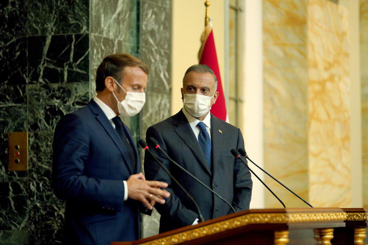 French President Emmanuel Macron (L) and Iraq's Prime Minister Mustafa al-Kadhemi (R) give a joint press conference following talks in Baghdad, Iraq on September 02, 2020 [Iraqi Prime Ministry Press Office / Anadolu Agency]