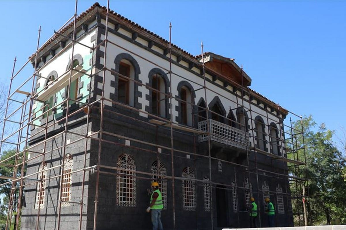 A historical mansion, the Bag Mansion, which is a large vineyard mansion will be turned into ethnography museum in Turkey, 22 September 2020 [Ana]