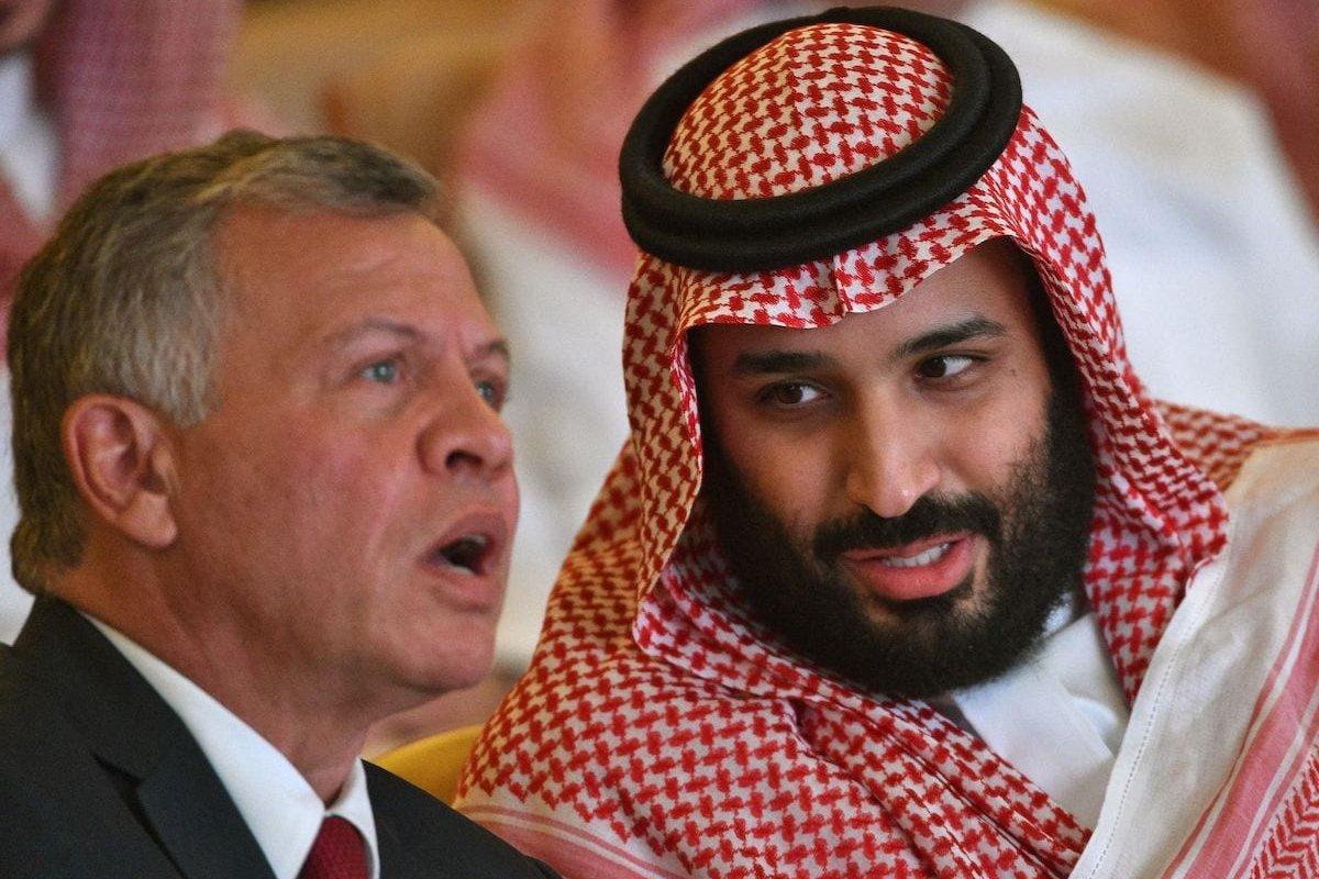 Saudi Crown Prince Mohammed bin Salman talks to Jordan's King Abdullah II (L) during the Future Investment Initiative FII conference in the Saudi capital Riyadh on 23 October 2018. [FAYEZ NURELDINE/AFP via Getty Images]