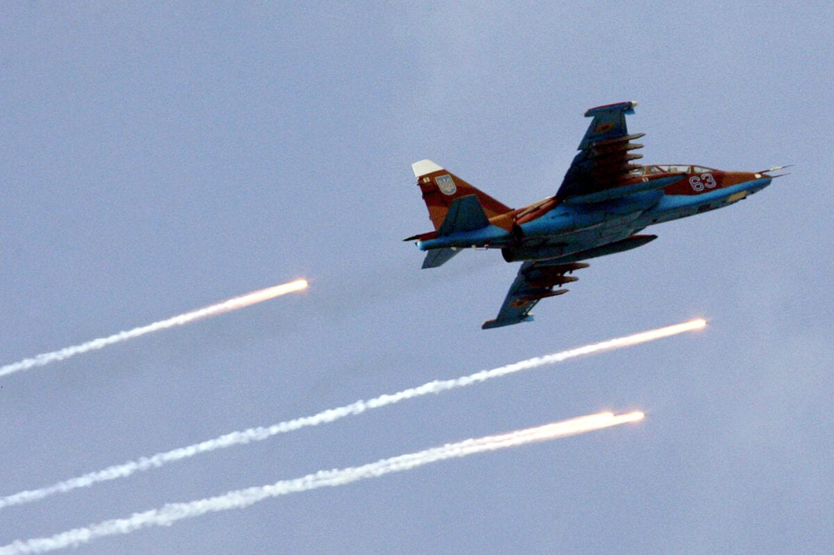 "Ukrainian Air Force SU-25 fighter plane flies during strategic command-staff ""Clean sky"" exercises at the Shirokiy Lan range, near the southern city of Mykolayiv, 22 September, 2006. Ukraine's pro-Russian Prime Minister Viktor Yanukovych said 19 September 2006 [GENYA SAVILOV/AFP via Getty Images]"
