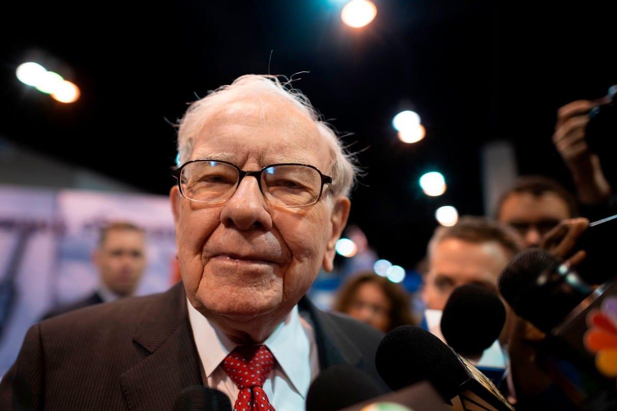 Warren Buffett (C), CEO of Berkshire Hathaway in Nebraska, US 4 May 2019 [JOHANNES EISELE/AFP/Getty Images]
