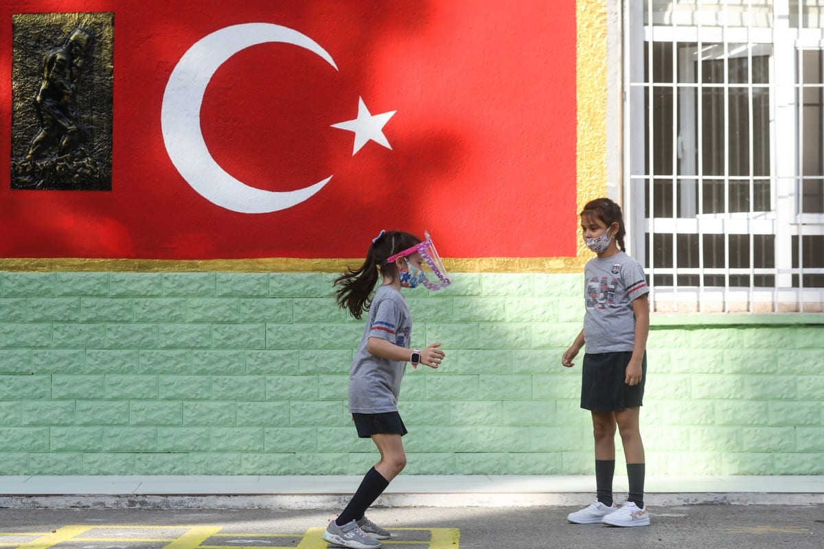 Students play at the schoolyard on October 12, 2020 [Mahmut Serdar Alakuş/Anadolu Agency]
