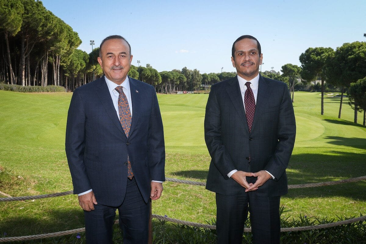 Foreign Minister of Turkey Mevlut Cavusoglu meets Qatari Foreign Minister Sheikh Mohammed bin Abdulrahman bin Jassim Al Thani (R) in Belek district of Antalya, Turkey on 5 November 2020. [Cem Özdel - Anadolu Agency]
