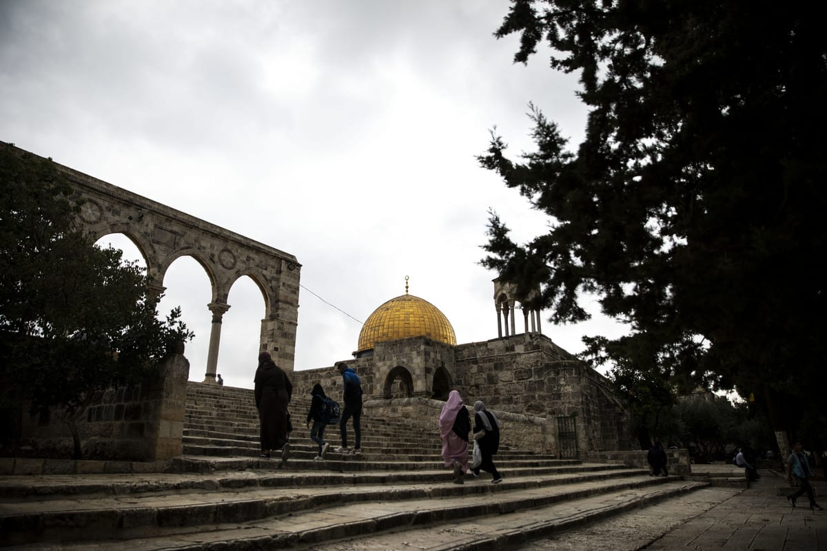 Palestinians gather to perform Friday prayer at Masjid al-Aqsa complex in East Jerusalem's Old City on November 6, 2020. [Mostafa Alkharouf - Anadolu Agency]