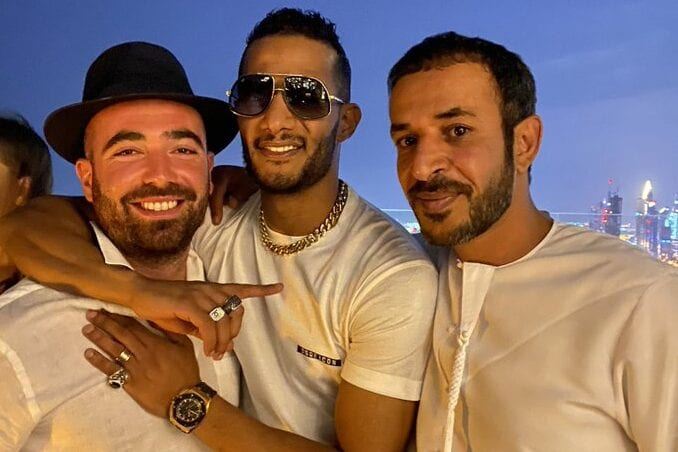 Art always brings us together .. Emirati journalist Hamad Al Mazrouei presented a picture of the Egyptian star Mohammed Ramadan with the Israeli singer Omir Adam in Dubai [@IsraelArabic /Twitter]