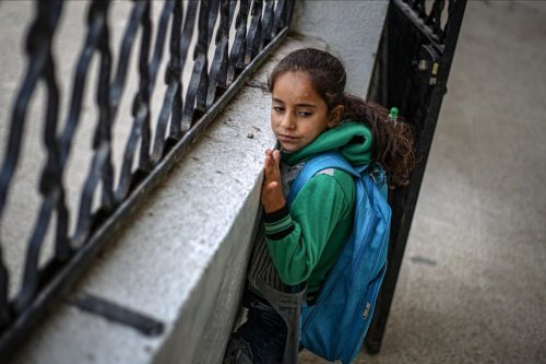 Fatma Nasuh, an eight-year-old Syrian girl who lost her leg in a Russian air strike, 23 November 2020 [Muhammed Said/Anadolu Agency]