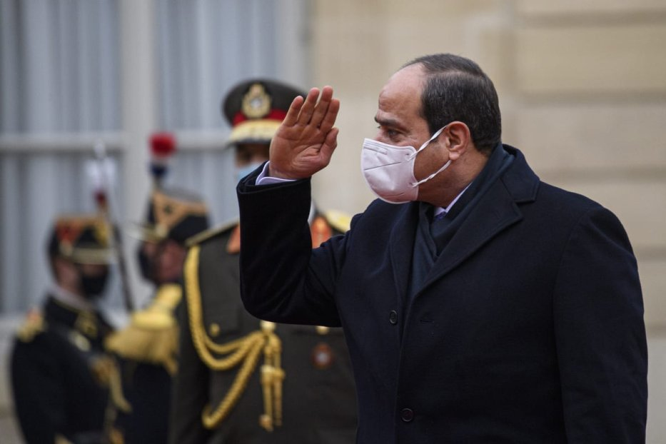 President of Egypt, Abdel Fattah Al-Sisi salutes the honour guards as he arrives for a meeting with President of France, Emmanuel Macron (not seen) at the Elysee Palace, in Paris, France on December 07, 2020 [Julien Mattia / Anadolu Agency]