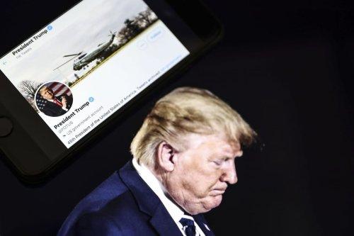 Twitter removes US former President Donald Trump's tweets from POTUS account [Metin Aktaş/Anadolu Agency]