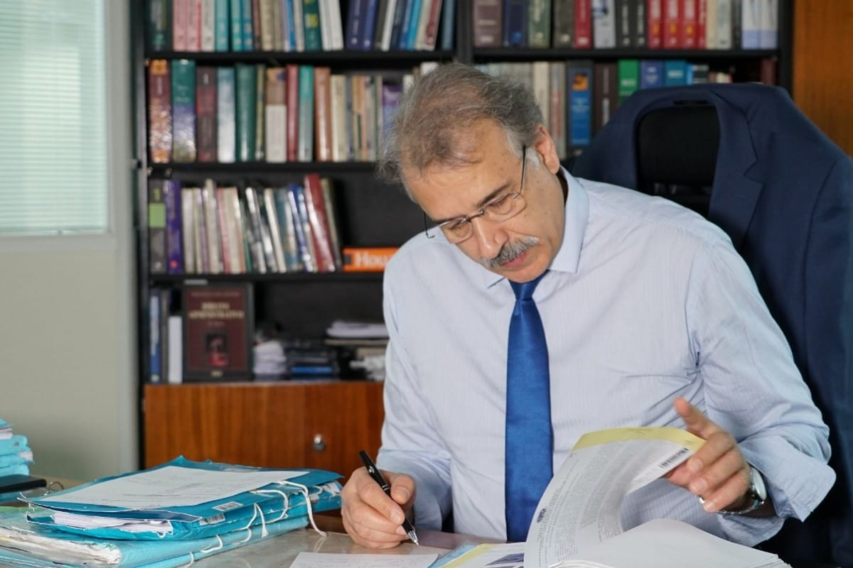 Ali Mazloum is in his work office at the federal court, sao Paulo, Brazil, May 2019 (source: MEMO)