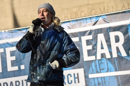 NEW YORK, NEW YORK - JANUARY 05: Matisyahu performs at NYC Jewish Solidarity March on January 05, 2020 in New York City. (Photo by Steven Ferdman/Getty Images)
