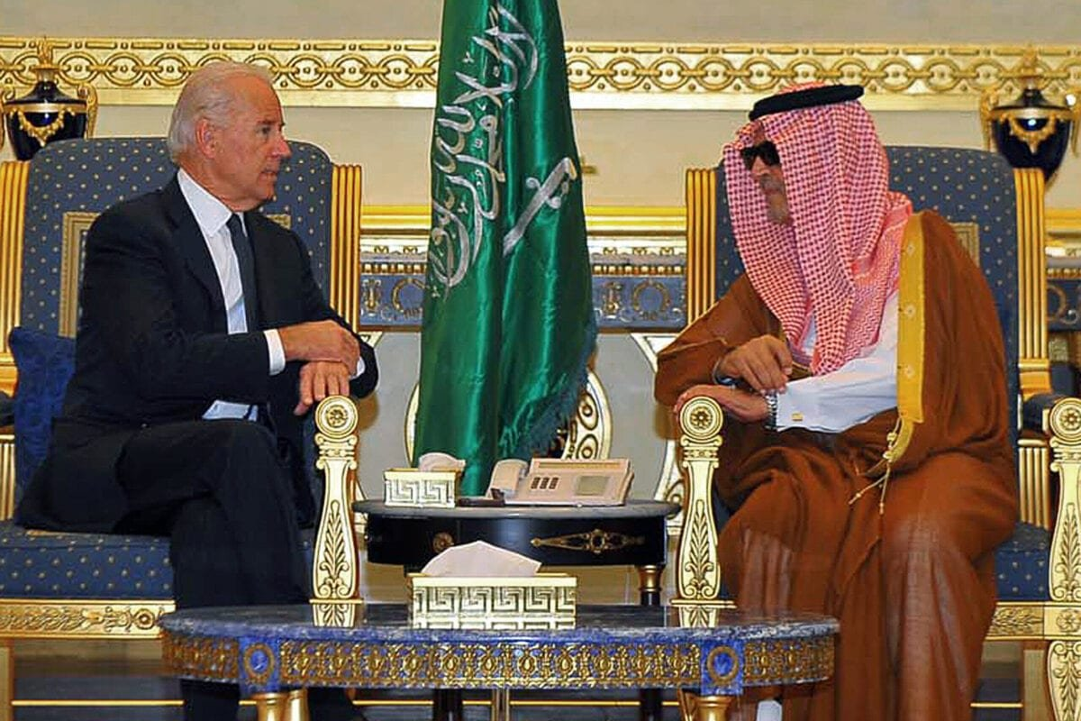 Saudi Foreign Minister Prince Saud al-Faisal (R) meets with US Vice President Joe Biden in Riyadh on October 27, 2011. Biden arrived in the Saudi capital with a US official delegation to offer condolences to the King Abdullah bin Abdul Aziz following the death of his brother, Crown Prince Sultan. AFP PHOTO/STR (Photo credit should read -/AFP via Getty Images)