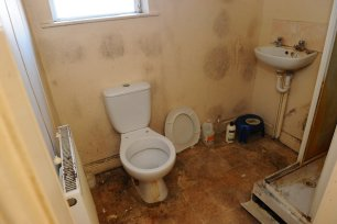 The living conditions of Intesar Hassan, who resides in Hull, UK after fleeing the war in Iraq on 13 January 2021 [Kirstin Tait/MEN Media]