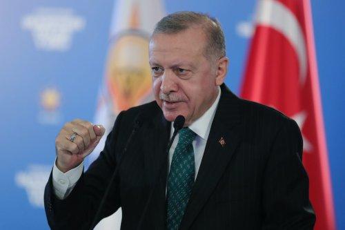 Turkish President Recep Tayyip Erdogan attends his ruling AK Party's in Ankara, Turkey on 3 February 2021 [Mustafa Kamacı/Anadolu Agency]