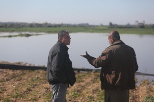 Israel has so far flooded nearly 700 dunums of agricultural land including 600 dunums east of Gaza City, on 22 February 2021 [Mohammed Asad/Middle East Monitor]