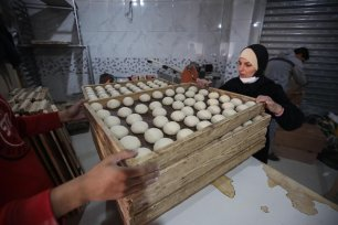 Palestinian baker Ruba Abu Al-Aish on 5 March 2021 in Gaza [Mohammed Asad/Middle East Monitor]