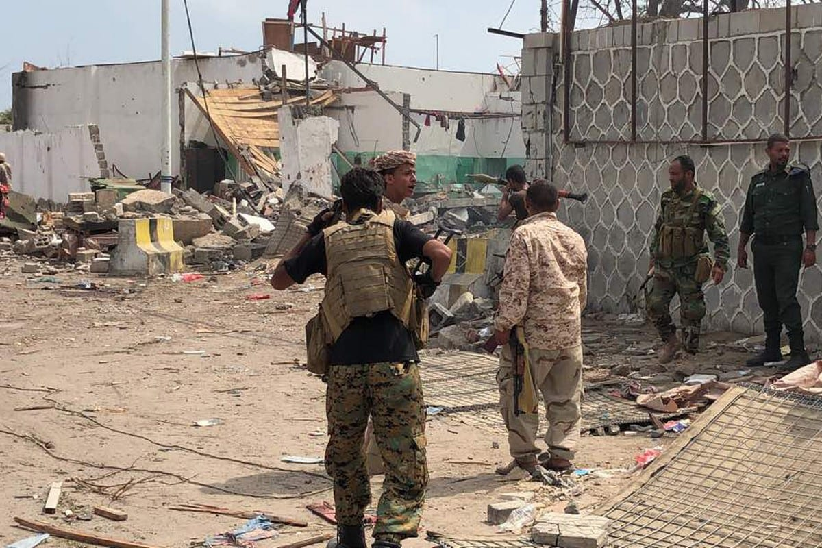 Yemeni security forces inspect the site of an attack by Al-Qaeda in Aden, on 5 November 2017 [ STRINGER/AFP/Getty Images]