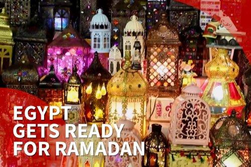 Egyptians prepare for Ramadan