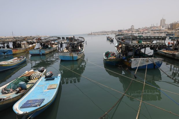 Israel closes Gaza fishing waters as assaults in Jerusalem increase [Mohammed Asad/Middle East Monitor]
