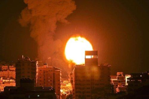 Bombing in Gaza [Iyad Alasttal]