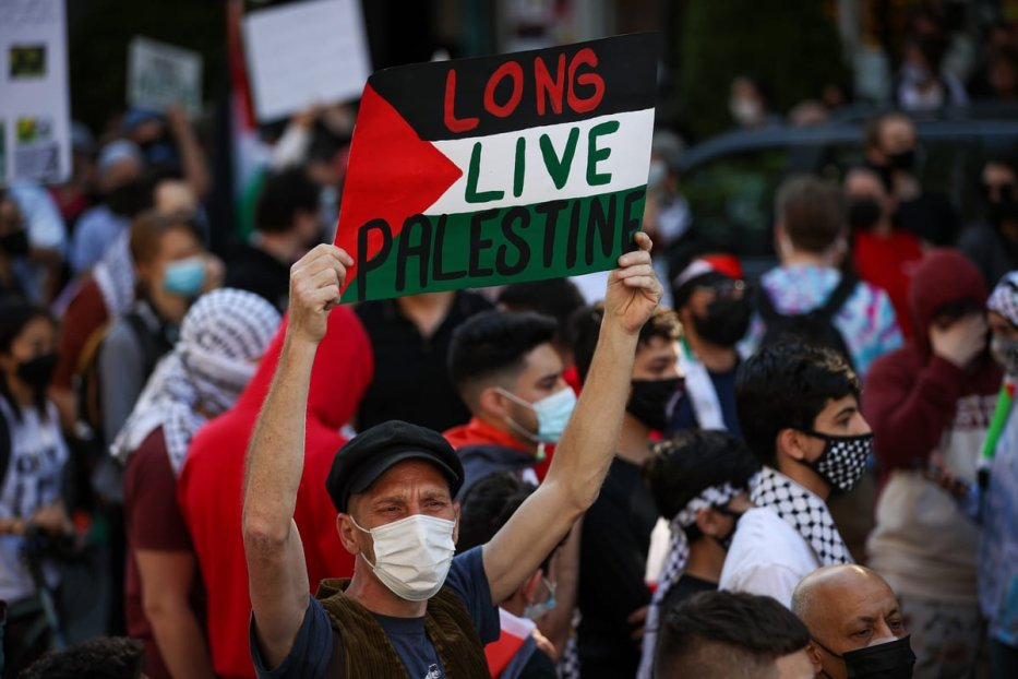 NEW YORK, USA - MAY 15: People gather in Brooklyn to demonstrate in support of Palestinians in New York City, United States on May 15, 2021. Over a thousand people joined the rally with people carrying Palestinian and Turkish flags in Brooklyn. Protests are taking place worldwide against Israel's recent escalated actions towards the Palestinian people. ( Tayfun Coşkun - Anadolu Agency )