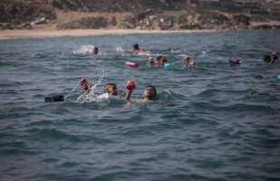 Lifeguard training in Gaza on 3 May 2021 [Mohammed Asad/Middle East Monitor]